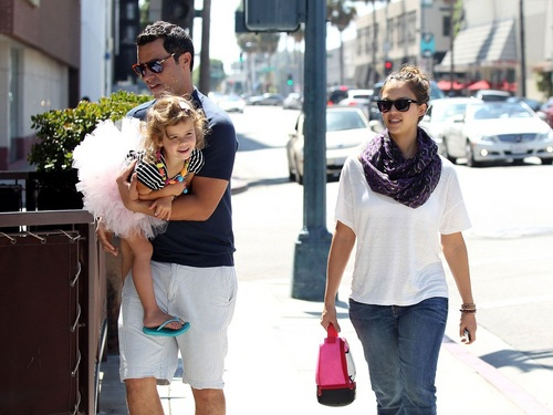 Jessica - Out for lunch in Beverly Hills - September 03, 2011
