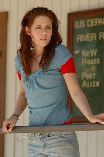 Kristen Stewart (Martine)
