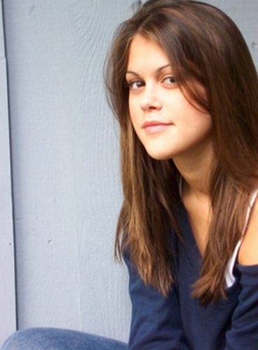 Lindsey Marie Shaw wallpaper with a portrait titled Lindsey Shaw