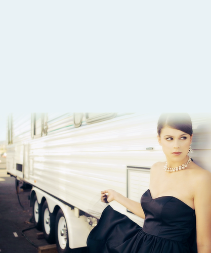 Lindsey Marie Shaw wallpaper titled Lindsey Shaw