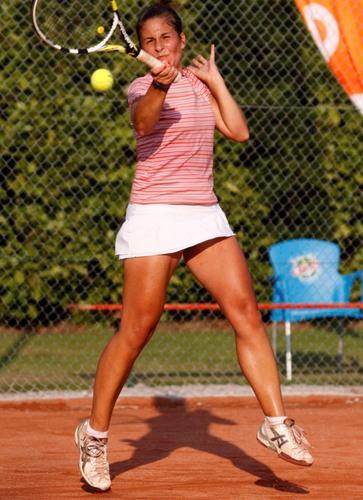 Magdalena KISZCZYNSKA sexy legs