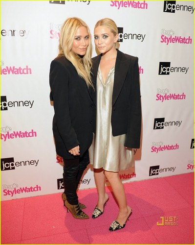 Mary-Kate & Ashley Olsen Miss for a Must