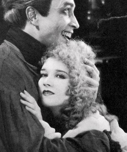 Mary Philbin/Christine Daaé (1925) - the-phantom-of-the-opera Photo