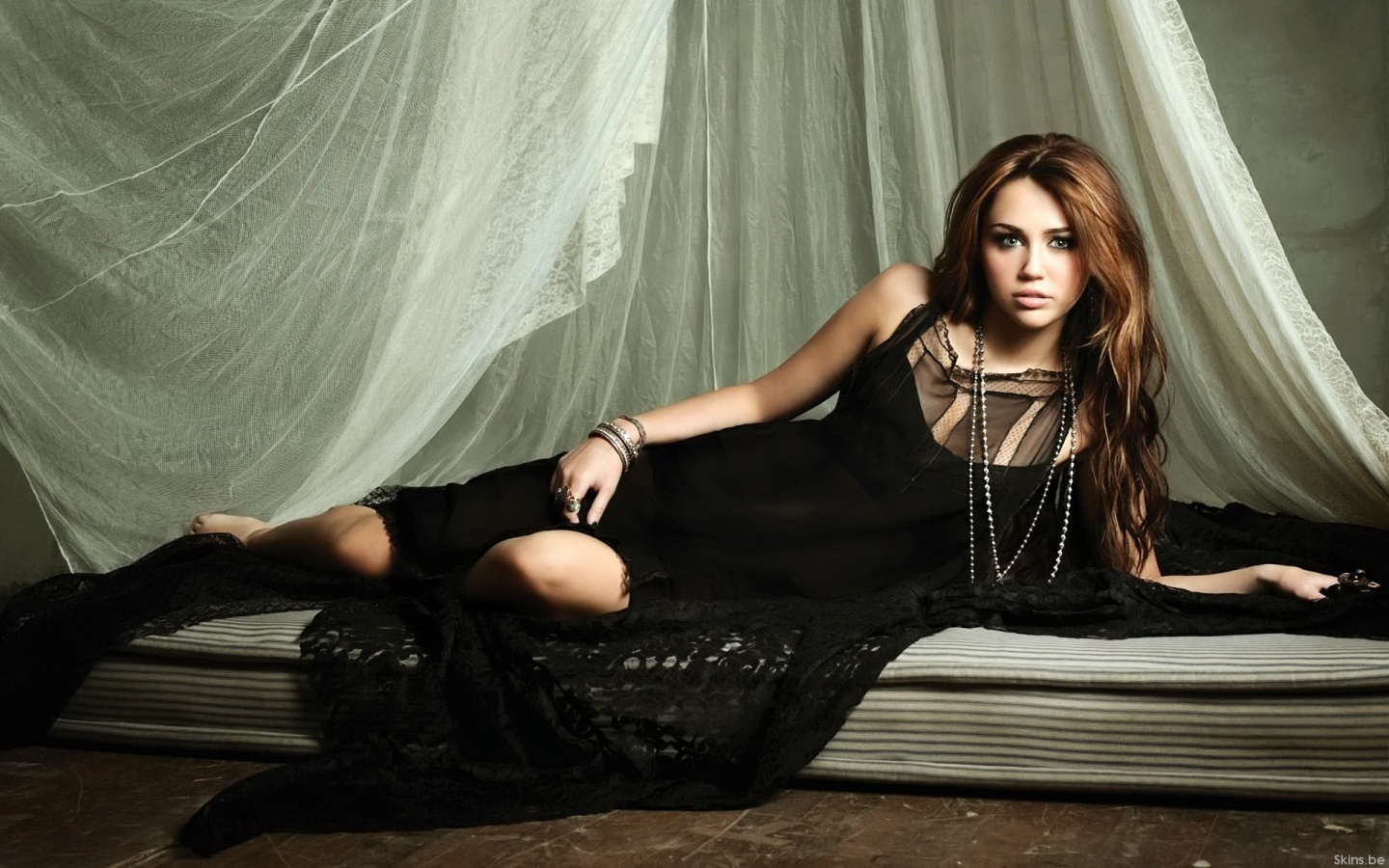 Young Hollywood Stars Images Miley Cyrus Hd Wallpaper And