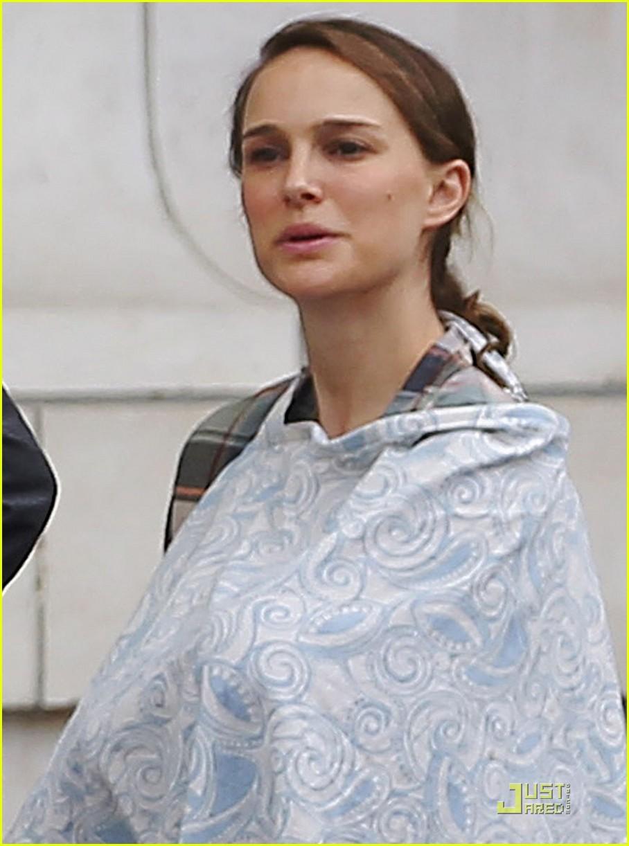 Natalie Portman Takes Baby Aleph to the Museum - Natalie ...