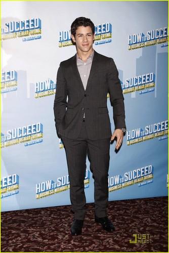 Nick Jonas 'Succeeds' at Sardi's (07.09.2011) !!!