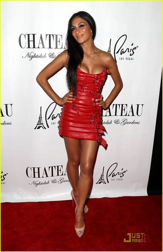 Nicole Scherzinger: Red Hot Party Girl!