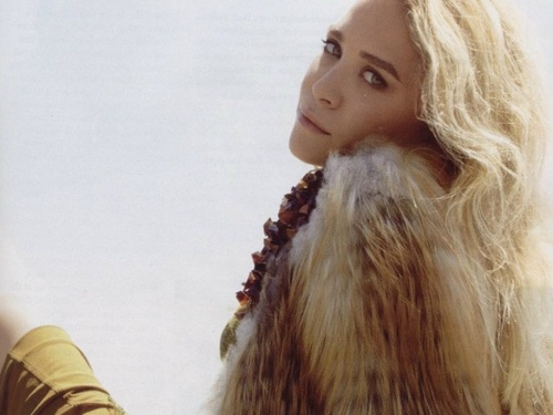 Mary-Kate & Ashley Olsen wallpaper probably containing a portrait called Olsen wallpaper ღ