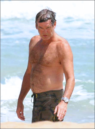 PIERCE BROSNAN SHIRTLESS 5