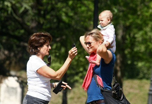 ROGER FEDERER CHILDREN WITH FEDERER MOTHER
