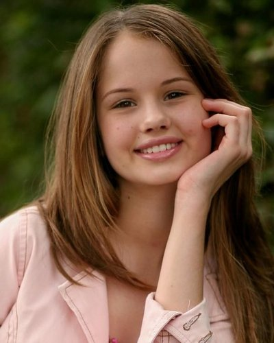 Debby Ryan karatasi la kupamba ukuta with a portrait called Rare Debby Ryan Pics