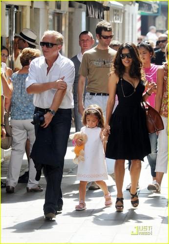 Salma Hayek: Venetian Shopping Spree with the Family!