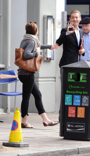 September 5 - Walking with her Friend in Londres