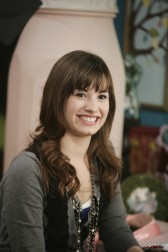 Sonny Munroe Обои possibly with a portrait titled Sonny Munroe <3