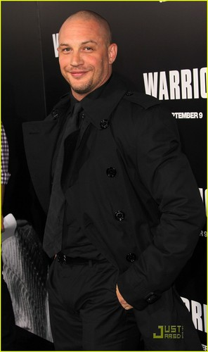 Tom Hardy: 'Warrior' Premiere with Jennifer Morrison!