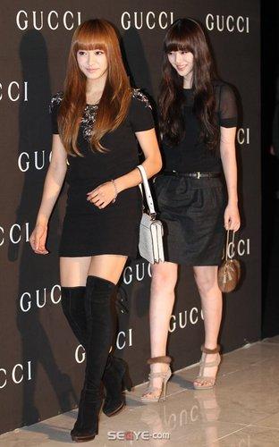 Victoria and Sulli arrive at Gucci