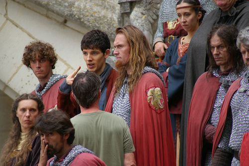 Who Is The Hottie Knight With Merlin? Yum!