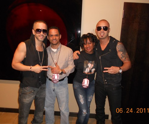Wisin y Yandel wallpaper containing sunglasses called Yandel, Luis, Rosa & Wisin 2011 @ Prudential Center NJ