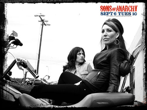 Tara & Gemma - sons-of-anarchy Wallpaper