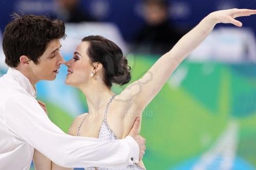 ]Tessa Virtue _ Scott Moir FD 2010 Vancouver Olympics (Symphony No.5 由 Gustav Mahler)
