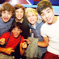 1D = Heartthrobs (Enternal Love 4 1D & Always Will) Signing In London!! 12/09/11 100% Real ♥  - one-direction photo