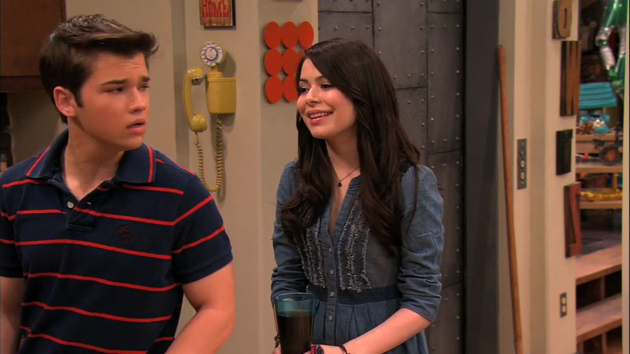 Icarly carly dating freddie