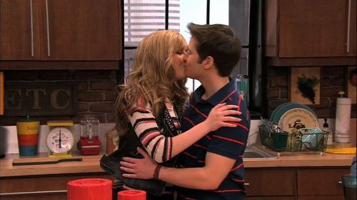 icarly episodes where sam and freddie are dating Just a flashback from the seddie-episodes it was  amazing - i love seddie sooooooo much they are so cute together everytime i see the last scene from.