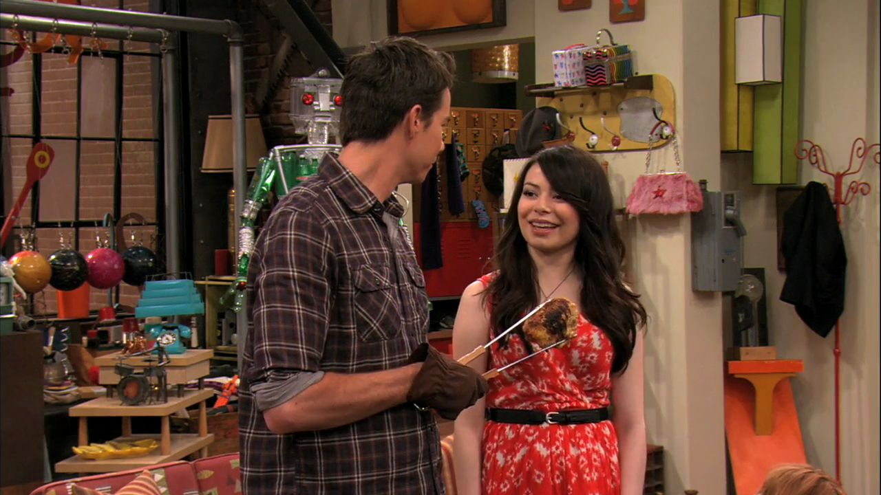 icarly sam dating freddie Icarly episodes season 1: 2007-2008  carly opens up a dating segment,  the dingo channel has apparently been stealing ideas from icarly, so carly, sam, freddie.