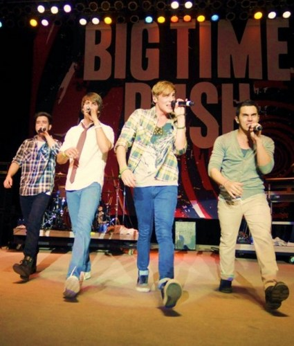 Big Time Rush ;D