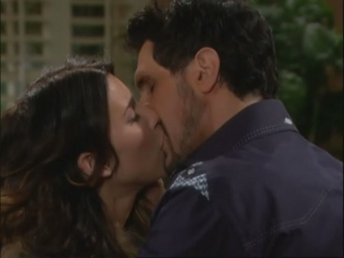 Bill and Steffy kiss at the guesthouse