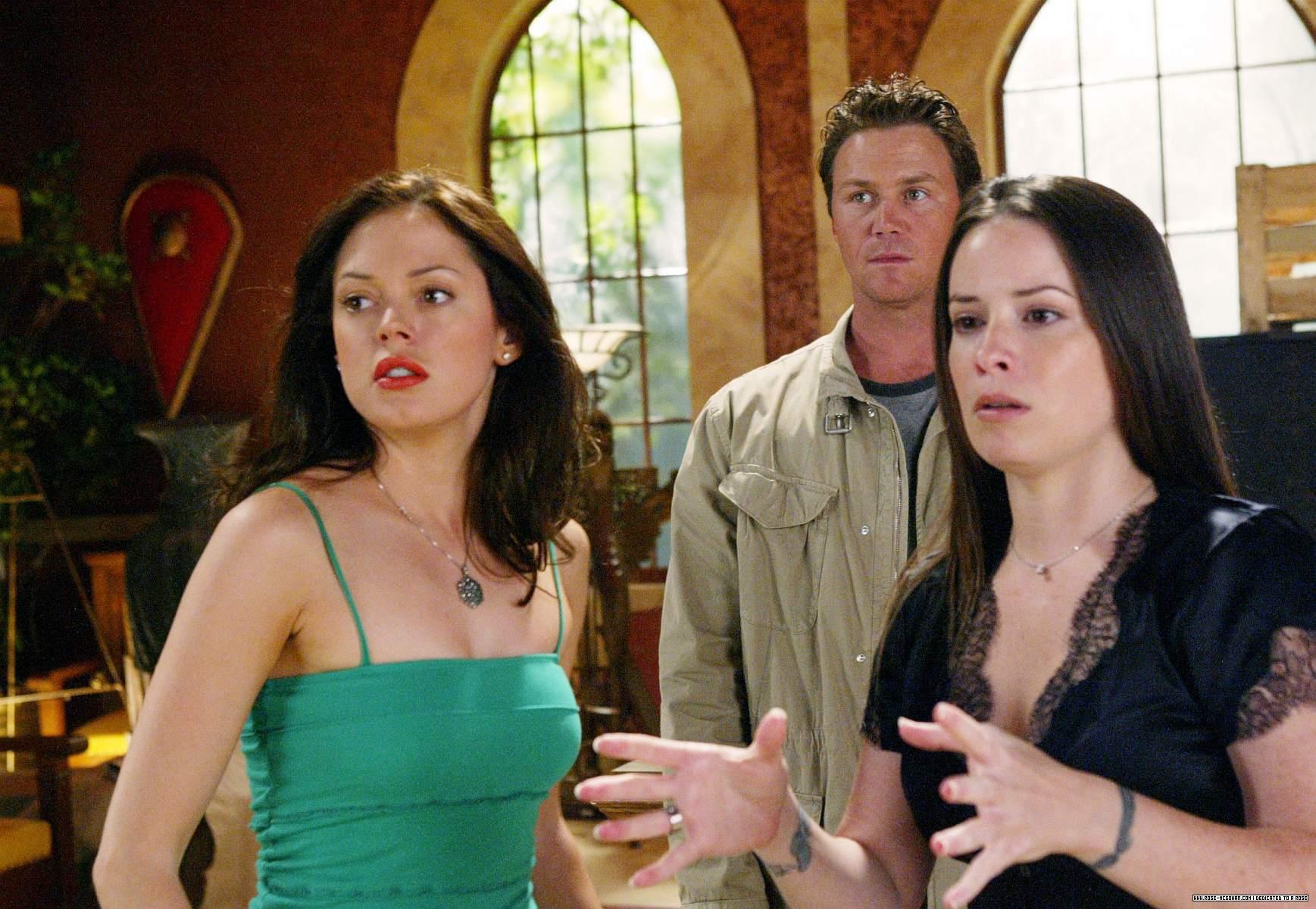 charmed season 6 episode 22 online dating