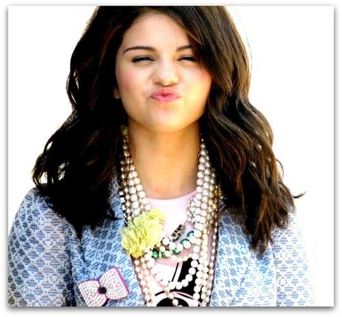Cute Selena..!