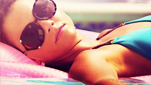 Emma Becker wallpaper with sunglasses entitled Emma Sutton