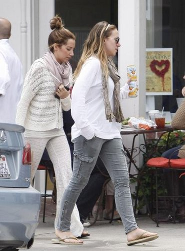Haylie Duff wallpaper probably containing long trousers called Haylie - Get takeout from Sweetsalt and then head back to Ashley's house - April 19, 2011