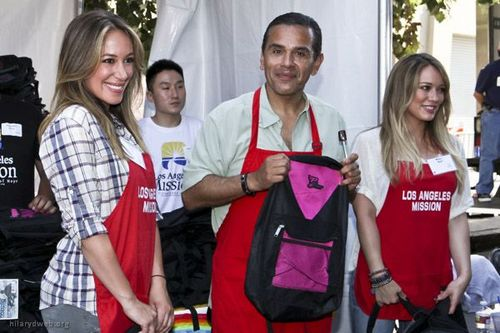 Haylie Duff wallpaper entitled Haylie&Hilary - LA Mission's End of Summer Block Party - August 27, 2011