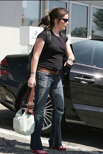 azevinho, holly Marie - Shopping in Malibu - 05.15.05
