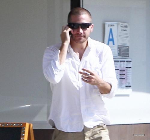 Jake Gyllenhaal Leaving Murakami Sushi Restaurant In Hollywood