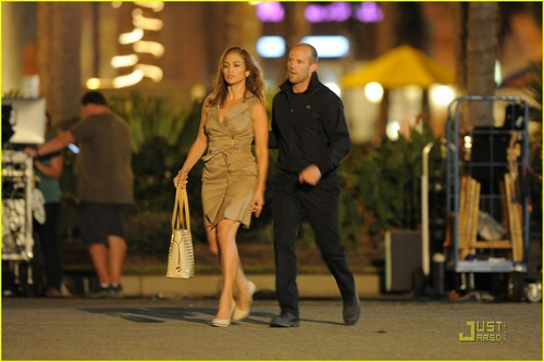 Jason Statham karatasi la kupamba ukuta with a business suit titled Jason Statham Jennifer Lopez Dating!