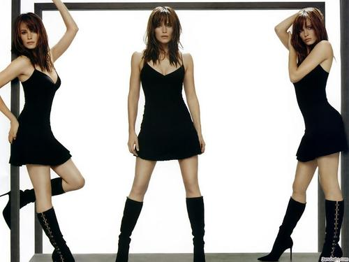 Jennifer Garner wallpaper possibly with hosiery, a hip boot, and tights entitled Jennifer Garner