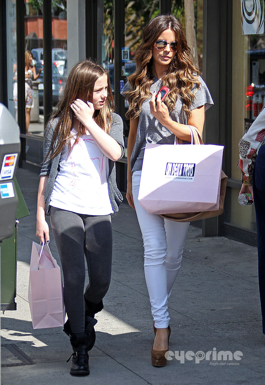 Kate Beckinsale takes her daughter shopping in Hollywood ... Kate Beckinsale Daughter