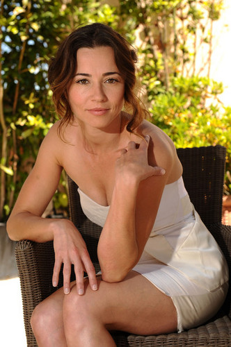 Linda Cardellini @ 64th Annual Cannes Film Festival - 2011