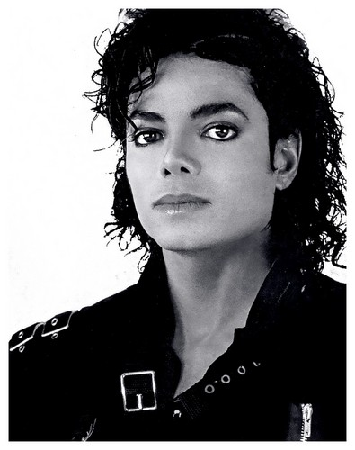 Michael Jackson achtergrond possibly with a portrait entitled MICHAEL