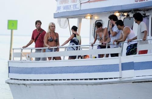 """On Set of """"2 Headed tubarão Attack"""""""