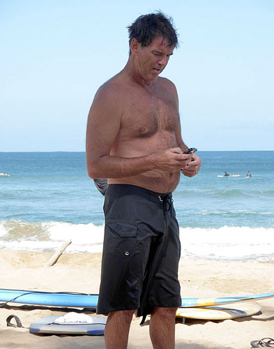 PIERCE BROSNAN SHIRTLESS 8