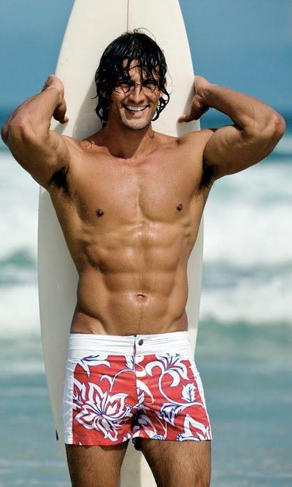 мужчины голые серфингисты фото
