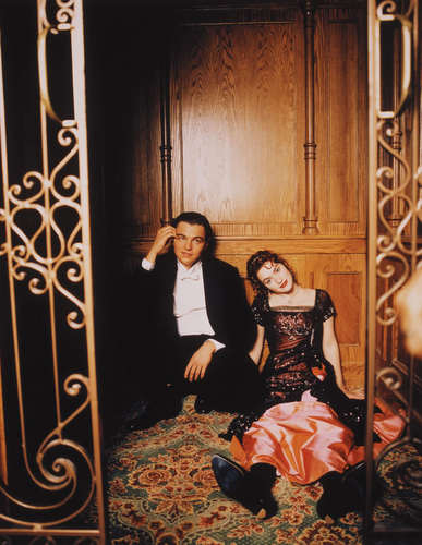 Titanic Costumes- Kate winslet and Leonardo de caprio
