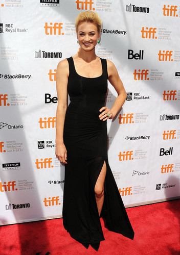 Yvonne Strahovski @ the Premiere of 'Killer Elite' @ the 2011 Toronto International Film Festival