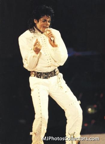 best performer ever!! <3 <333333