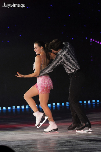 essa Virtue & Scott Moir - All that स्केट summer 2011 Mujer latina+Temptation