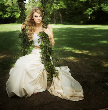 Taylor Swift wallpaper containing a bridesmaid entitled taylor swift